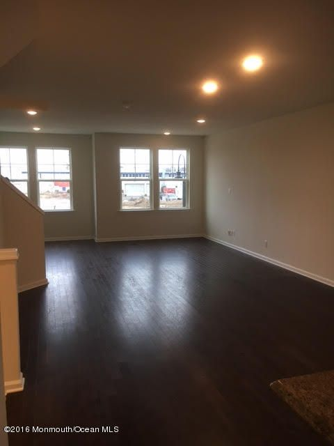 Additional photo for property listing at 42 Cannon Street  North Brunswick, Nueva Jersey 08902 Estados Unidos