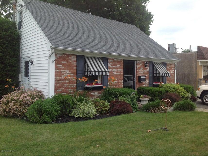 独户住宅 为 销售 在 552 Brighton Avenue 斯普林莱克海茨, 新泽西州 07762 美国
