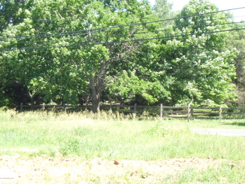 Additional photo for property listing at 69 County Road 537  Colts Neck, New Jersey 07722 Stati Uniti