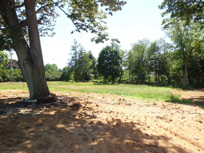 Additional photo for property listing at 69 County Road 537  Colts Neck, New Jersey 07722 Vereinigte Staaten