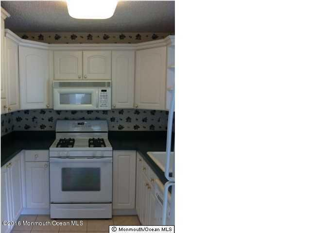 Additional photo for property listing at 1801 Bayhead Drive  Parlin, New Jersey 08859 United States