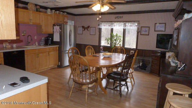 Additional photo for property listing at 168 Lanes Mill Road  Howell, New Jersey 07731 États-Unis