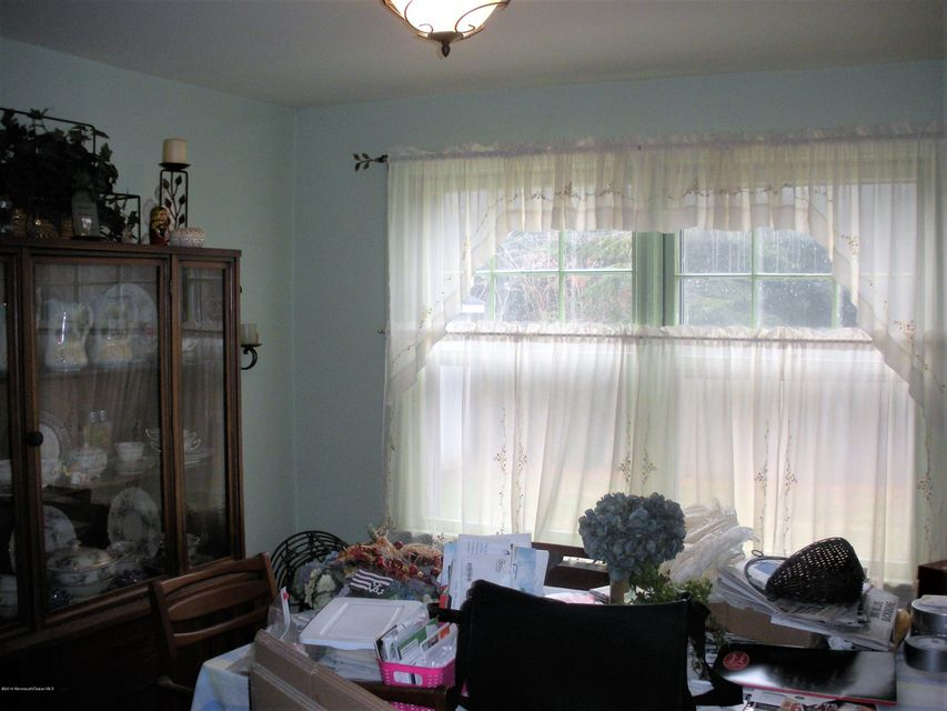 Additional photo for property listing at 66 Obre Place  Shrewsbury, New Jersey 07702 United States