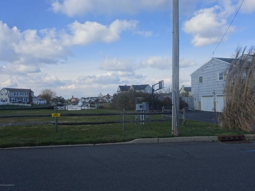 Additional photo for property listing at 14 Harbour Way  Monmouth Beach, New Jersey 07750 United States