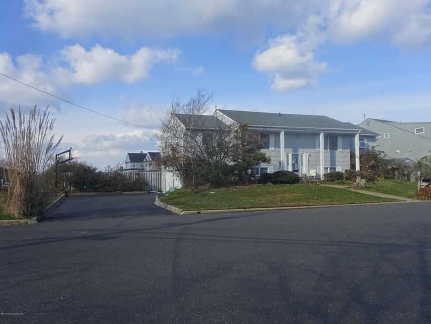 Single Family Home for Sale at 14 Harbour Way Monmouth Beach, New Jersey 07750 United States