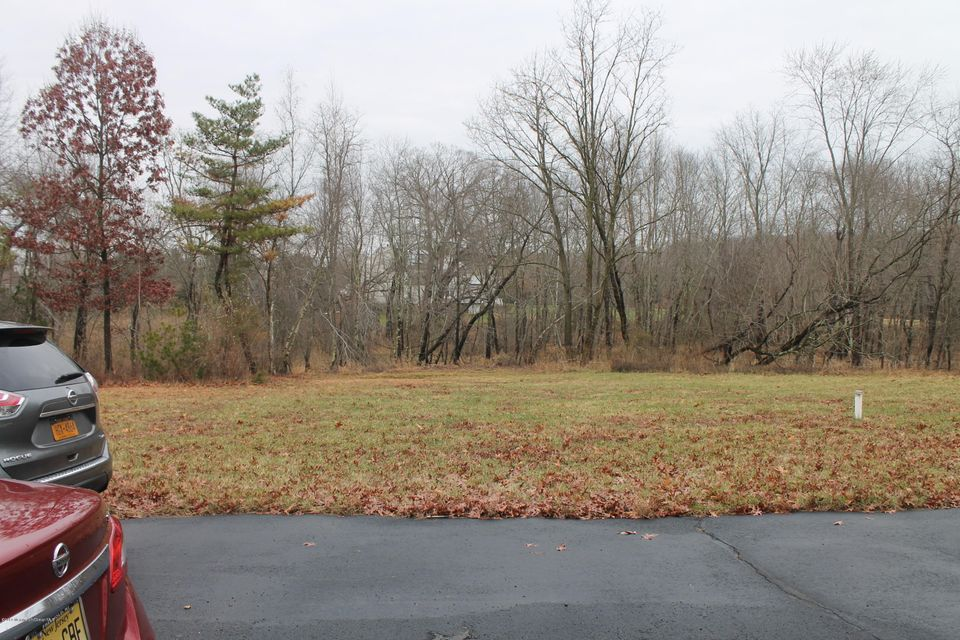 Additional photo for property listing at 7 Walden Court  Manalapan, Nueva Jersey 07726 Estados Unidos