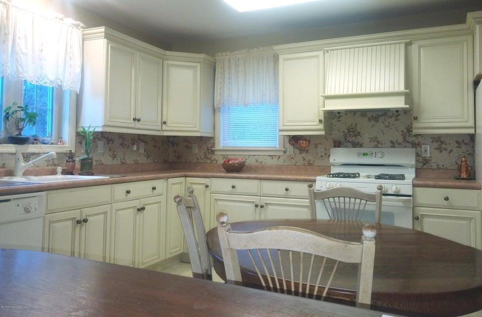 Additional photo for property listing at 569 Herbert Lane  布里克, 新泽西州 08724 美国
