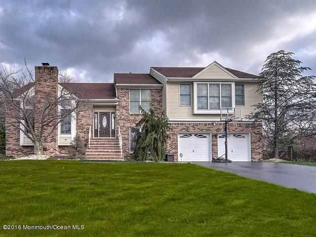 Single Family Home for Sale at 19 Empress Court Freehold, New Jersey 07728 United States