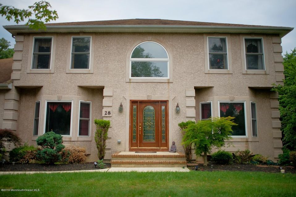 Additional photo for property listing at 28 Pioneer Court  Freehold, New Jersey 07728 États-Unis