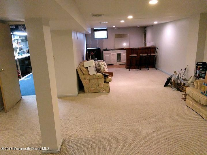 Additional photo for property listing at 350 Brighton Avenue  Neptune, New Jersey 07753 États-Unis