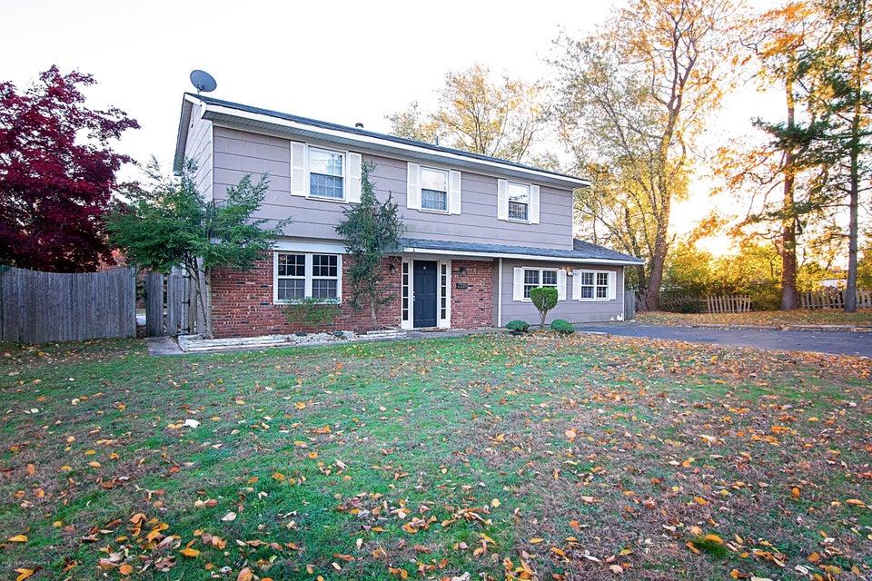 Casa Unifamiliar por un Venta en 47 Forrest Hill Drive Howell, Nueva Jersey 07731 Estados Unidos
