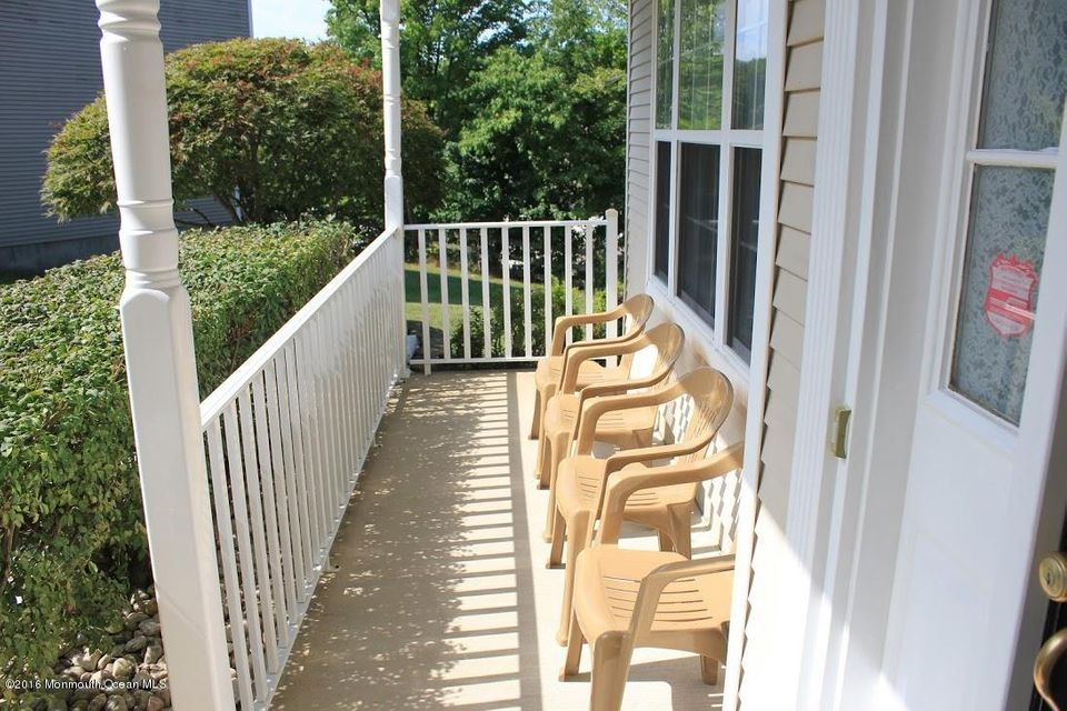 Additional photo for property listing at 303 Wedgewood Road  Morganville, New Jersey 07751 United States