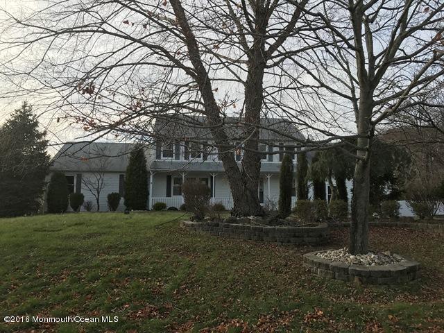 Casa Unifamiliar por un Venta en 3 Somers Court Millstone, Nueva Jersey 08535 Estados Unidos