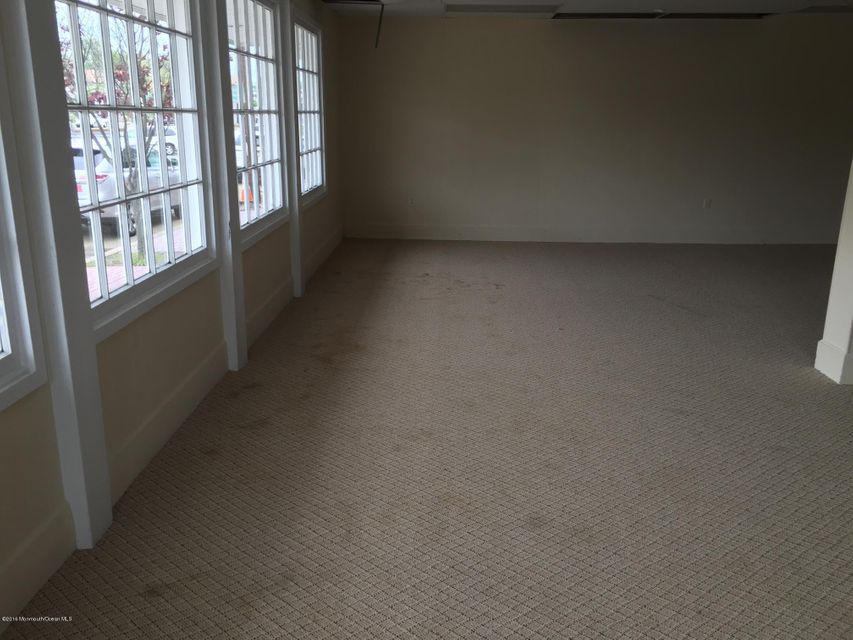 Additional photo for property listing at 22 Railroad Avenue  Jamesburg, New Jersey 08831 États-Unis
