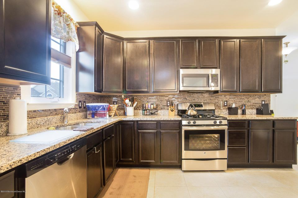 Additional photo for property listing at 58 Eagle Ridge Circle  Lakewood, Nueva Jersey 08701 Estados Unidos