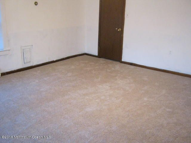 Additional photo for property listing at 52 Shoreland Terrace  Middletown, New Jersey 07748 United States