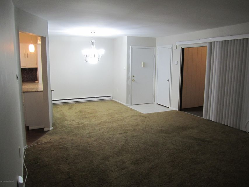 Additional photo for property listing at 134g Amberly Drive  Manalapan, New Jersey 07726 United States