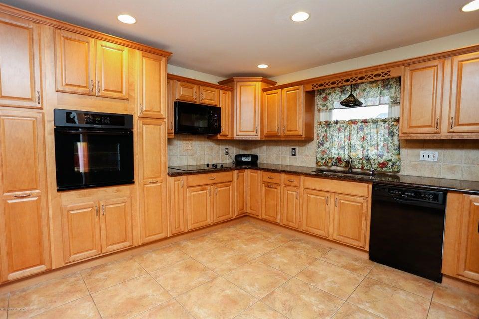 独户住宅 为 销售 在 67 Coachman Drive Freehold, 新泽西州 07728 美国