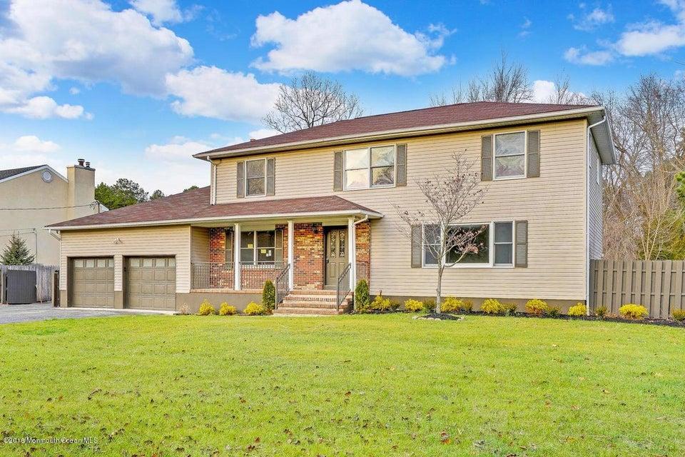 独户住宅 为 销售 在 952 Farmingdale Road 杰克逊, 新泽西州 08527 美国