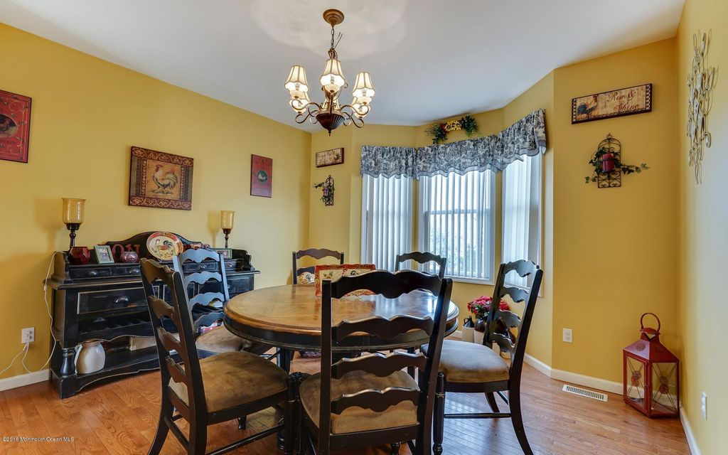Additional photo for property listing at 307 Bradford Place  Bayville, Nueva Jersey 08721 Estados Unidos