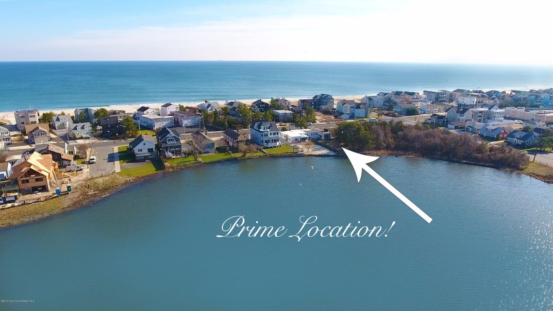 Maison unifamiliale pour l Vente à 1417 Ocean Avenue Point Pleasant Beach, New Jersey 08742 États-Unis