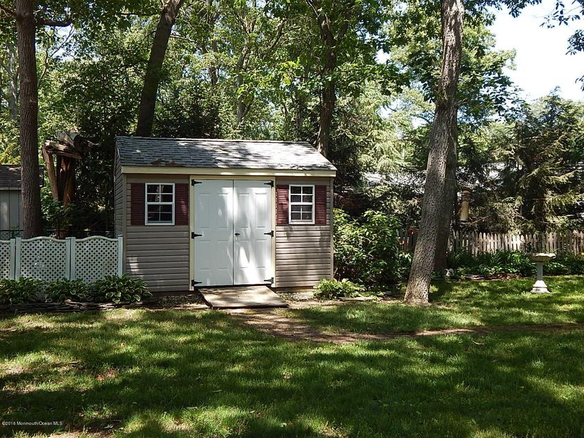 Additional photo for property listing at 905 New Jersey Avenue  Pine Beach, 新泽西州 08741 美国