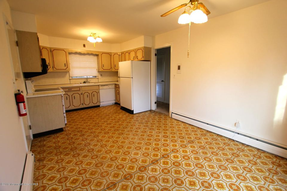 Additional photo for property listing at 618 Fairview Avenue  Neptune, New Jersey 07753 États-Unis