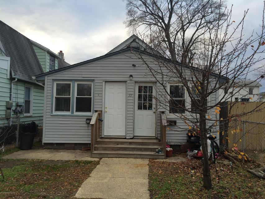 Multi-Family Home for Rent at 31 Saint James Place Keansburg, 07734 United States