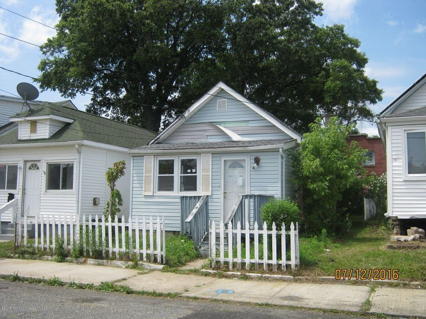 Additional photo for property listing at 35 Highland Avenue  Keansburg, New Jersey 07734 États-Unis