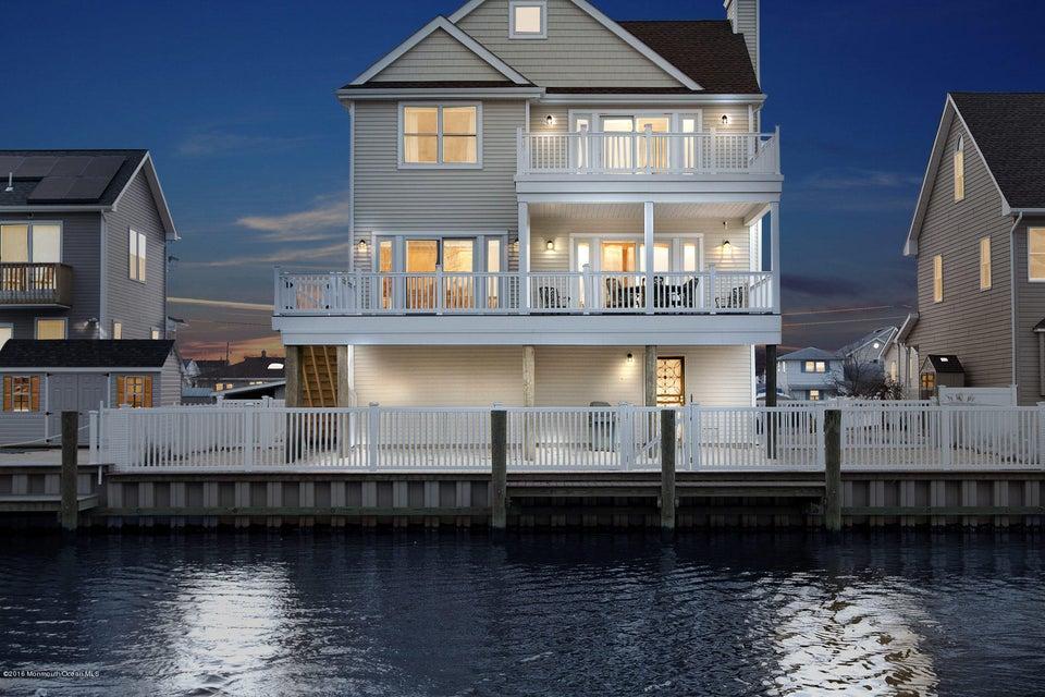 Casa Unifamiliar por un Venta en 35 Channel Road Toms River, Nueva Jersey 08753 Estados Unidos