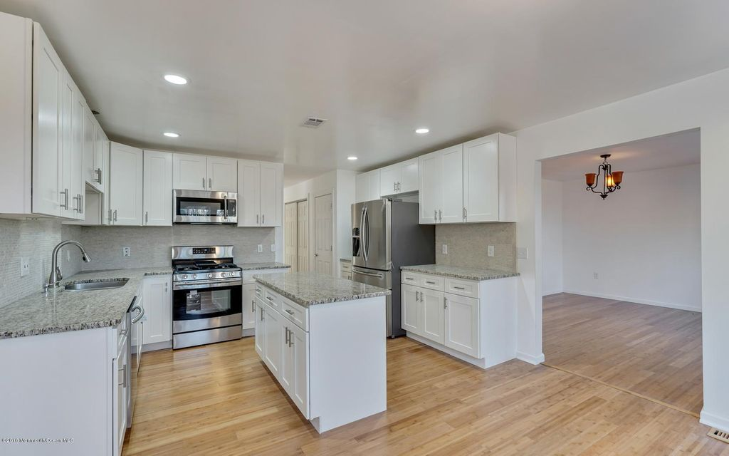 Additional photo for property listing at 15 Morgan Drive  Barnegat, New Jersey 08005 États-Unis