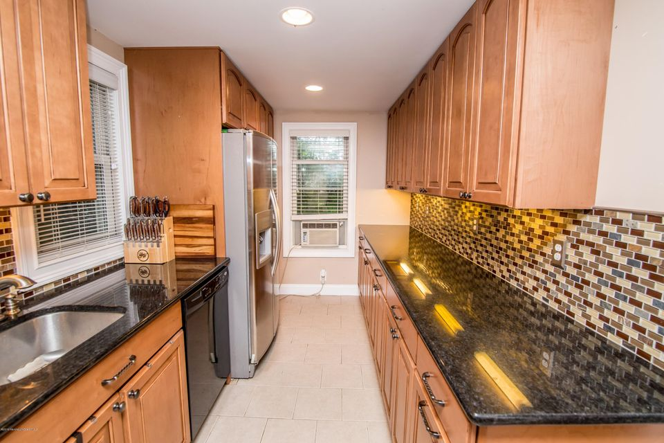 Additional photo for property listing at 200 Norwood Avenue  West Long Branch, Nueva Jersey 07764 Estados Unidos