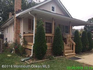 Casa Unifamiliar por un Venta en 35 Hull Avenue Freehold, Nueva Jersey 07728 Estados Unidos