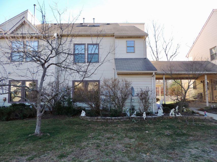 Additional photo for property listing at 302 Larkspur Lane  Jackson, New Jersey 08527 États-Unis