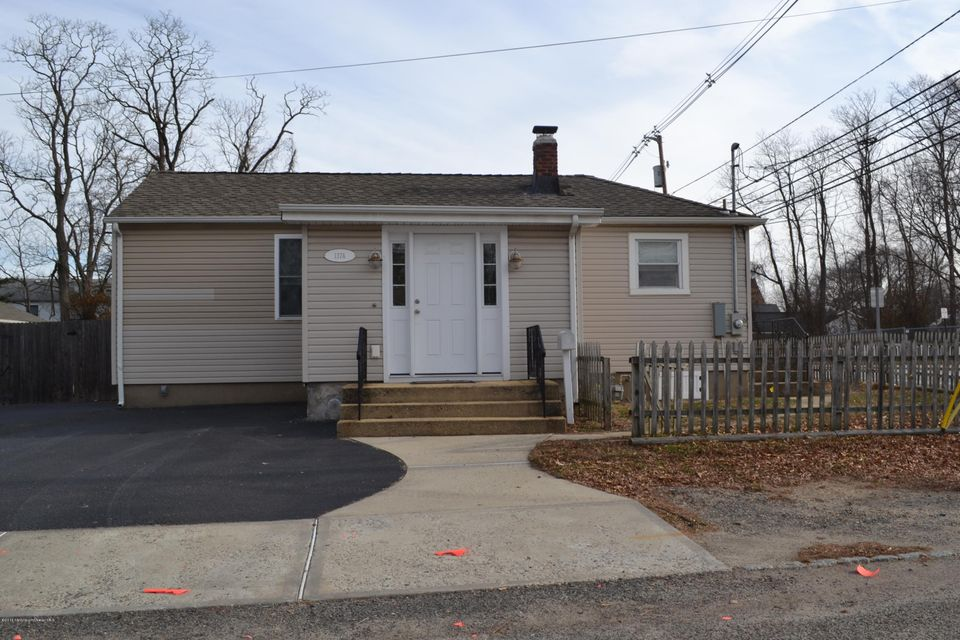 Single Family Home for Rent at 137 Port Monmouth Road Keansburg, 07734 United States