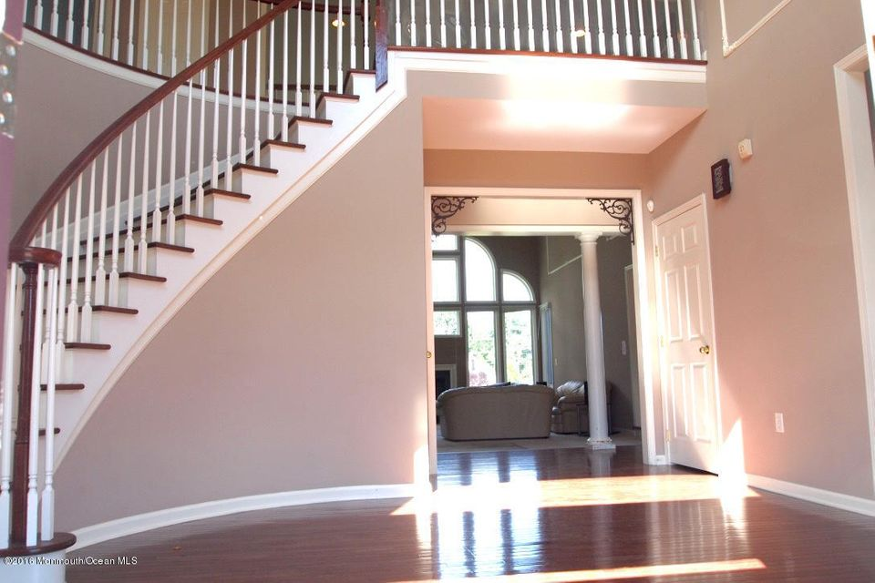 Additional photo for property listing at 3 Judge Lane  Manalapan, New Jersey 07726 États-Unis