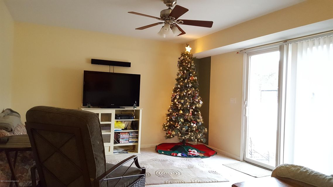 Additional photo for property listing at 517 Montgomery Avenue  Toms River, New Jersey 08757 United States