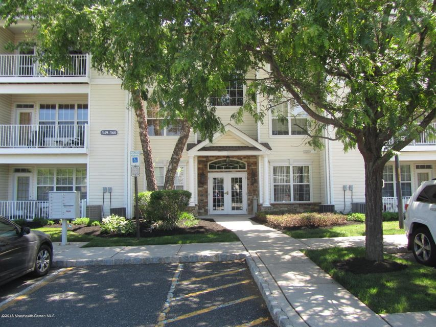 Condominium for Rent at 356 Saint Andrews Place Manalapan, 07726 United States