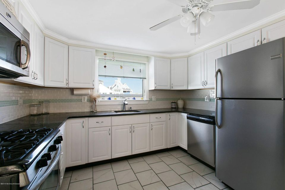 Additional photo for property listing at 1055 Barnegat Lane  Mantoloking, Nueva Jersey 08738 Estados Unidos