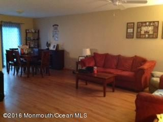Additional photo for property listing at 12 Swan Road  Howell, Nueva Jersey 07731 Estados Unidos