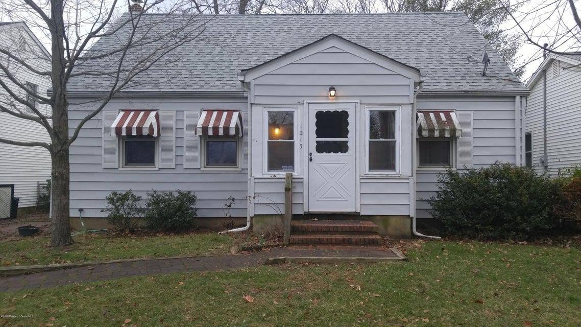Maison unifamiliale pour l Vente à 1213 Madison Street Point Pleasant, New Jersey 08742 États-Unis