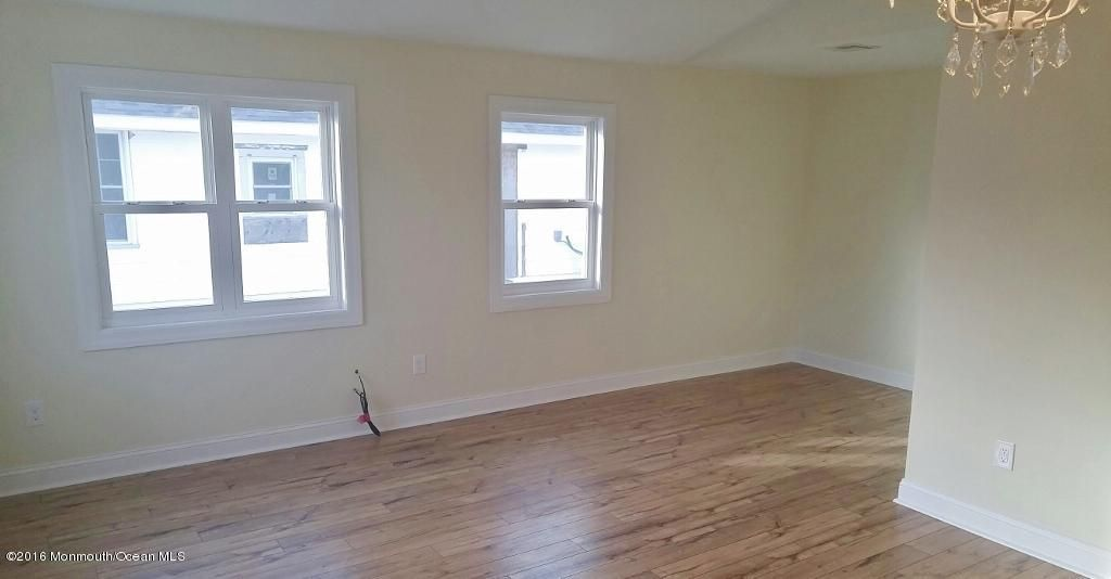 Additional photo for property listing at 260 Kearney Avenue  Seaside Heights, 新泽西州 08751 美国