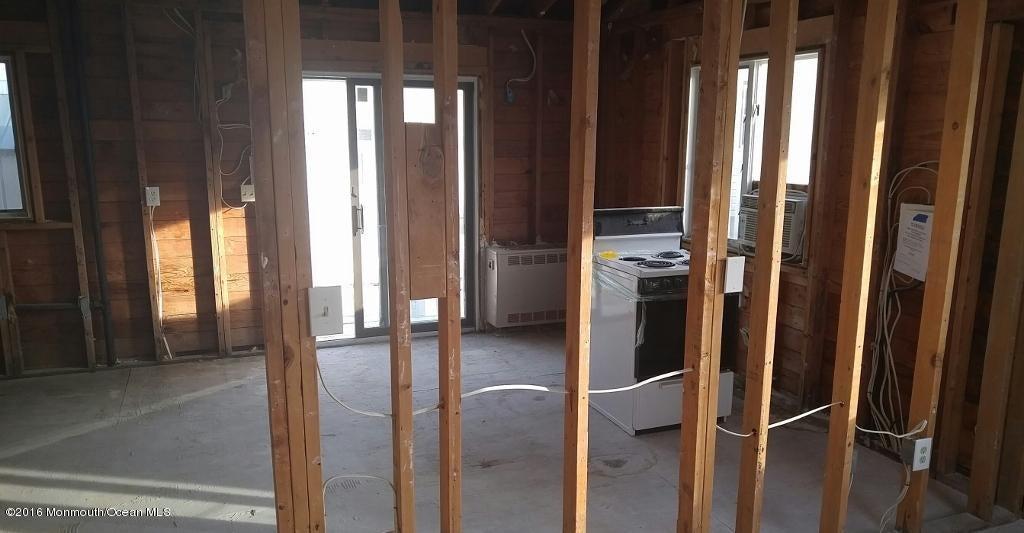 Additional photo for property listing at 260 Kearney Avenue  Seaside Heights, Nueva Jersey 08751 Estados Unidos