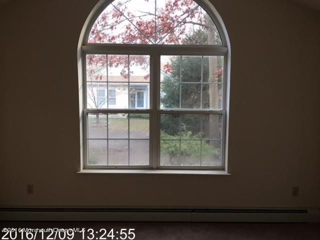 Additional photo for property listing at 182 Morning Glory Lane  Whiting, New Jersey 08759 États-Unis