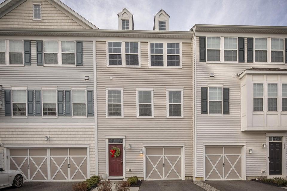共管式独立产权公寓 为 销售 在 109 Beacon Landing 伊顿敦, 新泽西州 07724 美国