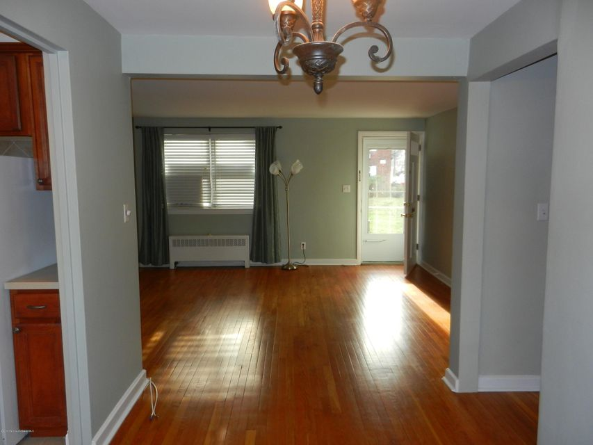 Additional photo for property listing at 27 Manor Drive  Red Bank, New Jersey 07701 United States