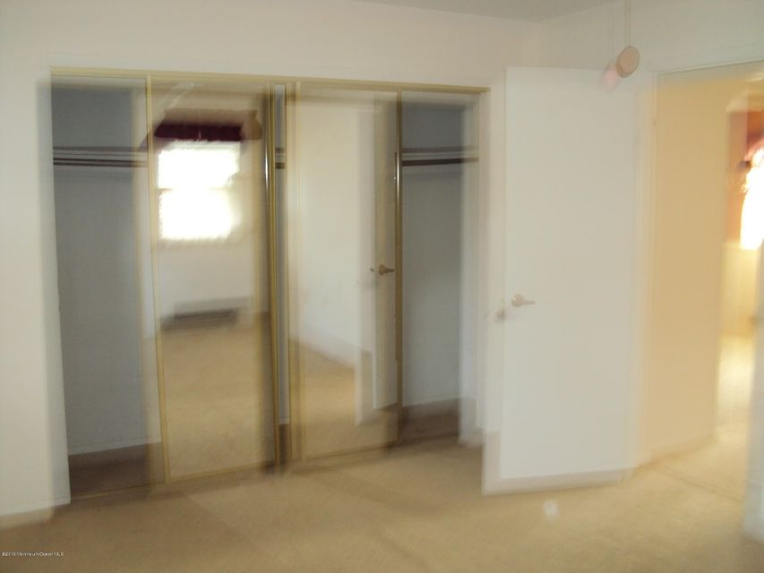 Additional photo for property listing at 16 Eaton Lane  Whiting, New Jersey 08759 États-Unis