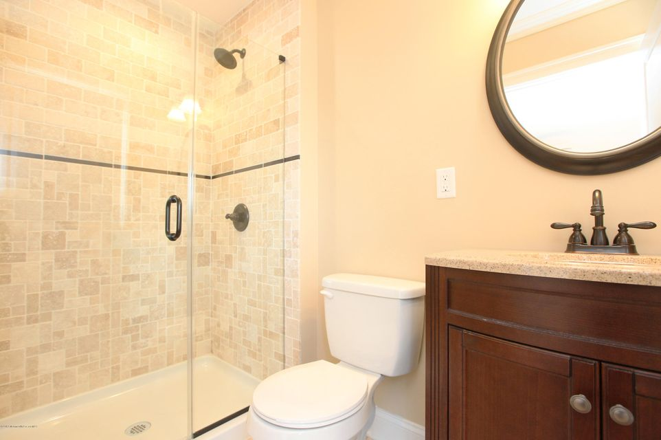 Additional photo for property listing at 71 Four Winds Drive  Middletown, Nueva Jersey 07748 Estados Unidos