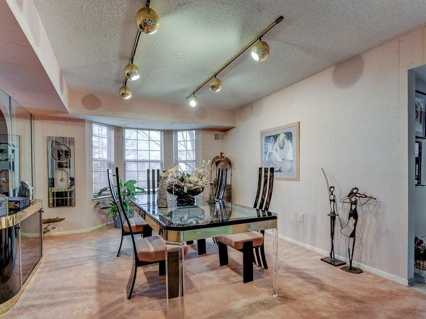Additional photo for property listing at 2 Hansom Lane  万宝路, 新泽西州 07746 美国
