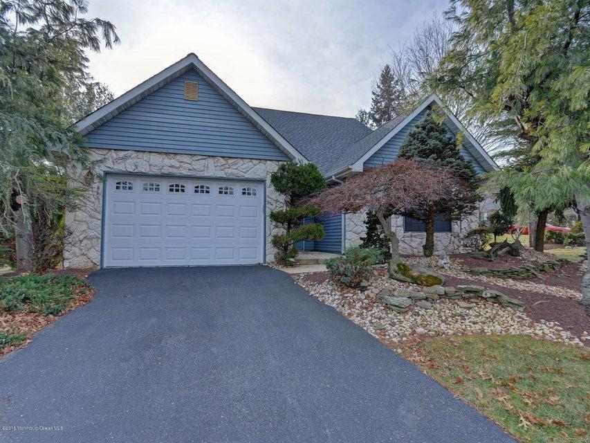 独户住宅 为 销售 在 2 Hansom Lane 万宝路, 新泽西州 07746 美国